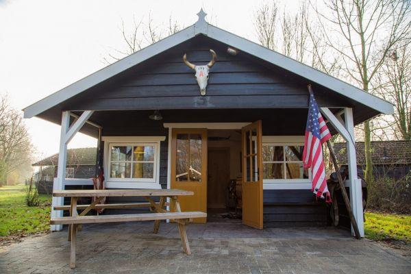 Freizeitpark Slagharen: Cowboy Cottage für 2 Erwachsene und max. 4 Kinder